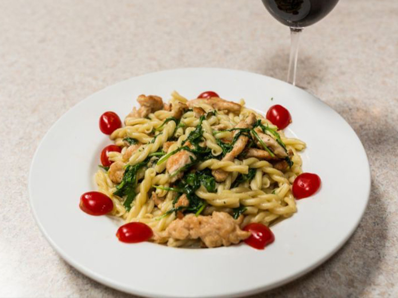 pasta with chicken, spinach, tomatoes